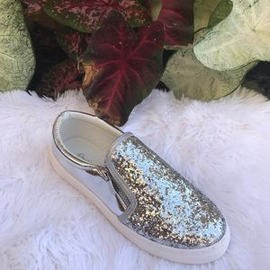 Shoes - Ladies glitter sneaker with zipper