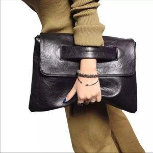 🎉SALE🎉Envelop clutch/crossbody bag