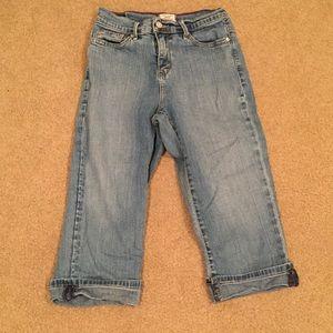 Levi's 512 Capri jeans size 4