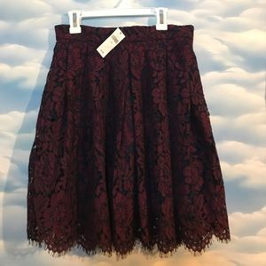 NWT Banana Republic size 0 burgundy lace skirt