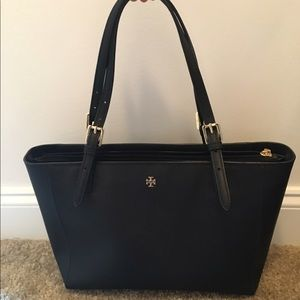 "Tory Burch ""York small buckle tote"" in black"