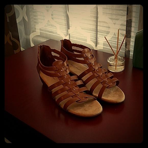 00e179f54f67 Wide width - Sandals!!