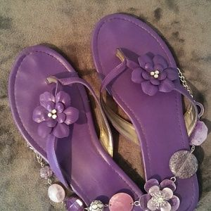 Shoes - Purple sandals with Great details!