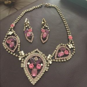 Jewelry - Vintage necklace and earring set