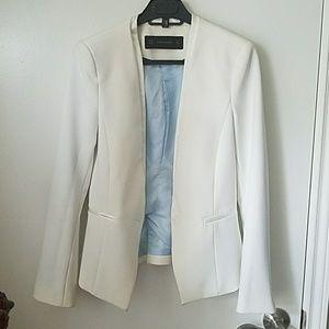 ZARA  basic slim fit white blazer