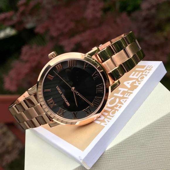 01528348ec68 Michael Kors Norie Rose Gold Glam Watch MK3585