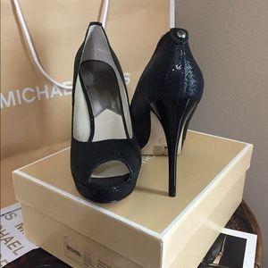 Brand New Michael Kors Peep Toe size 9.5