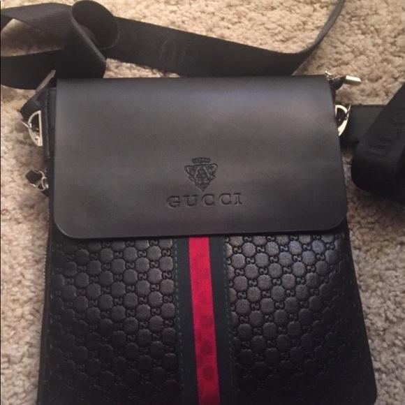 693f3b84 Gucci sling bag