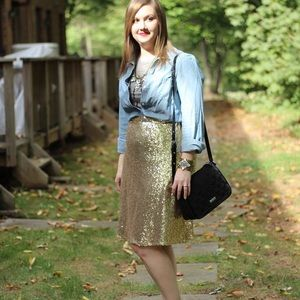 Dresses & Skirts - Gold sequin skirt