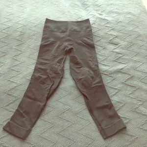 Pants - Lulu Zone-in crops
