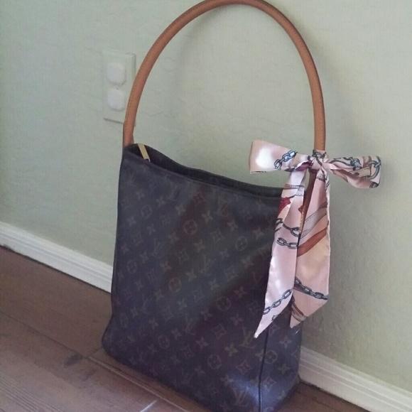 6f86ab7aab6 Louis Vuitton Handbags - 🌹 WEEKEND SALE🌹AUTH Louis Vuitton Looping GM