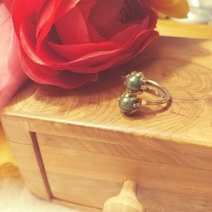 Jewelry - Gold plated & green stone bypass ring
