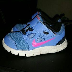 Toddler girls Nike frees