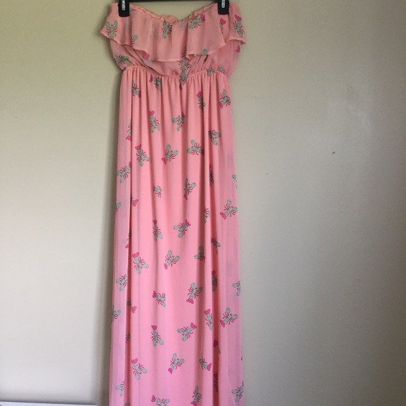 91b4d69c20e Peachy Lobster Strapless Maxi Dress. M 597501fbbf6df53cd803a698