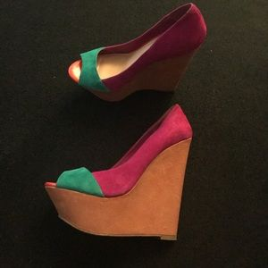 Beautiful multicolored wedges only worn twice!