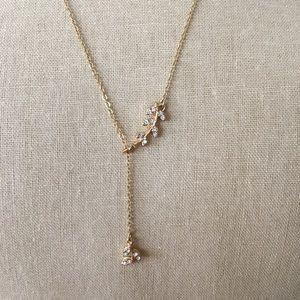 Jewelry - LOFT Crystal Leaf Lariat Neckace