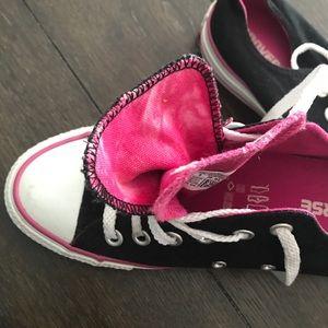 Reposh black pink converse
