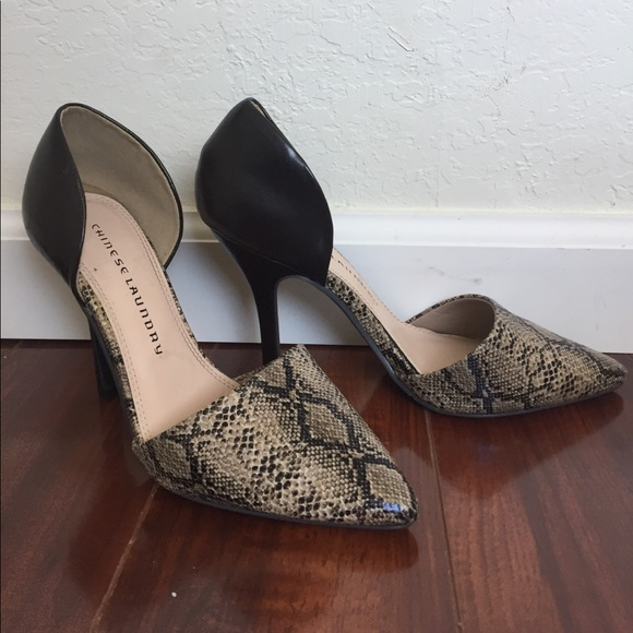 1cf2d15f432 Chinese Laundry Brown and Tan Snakeskin Pumps
