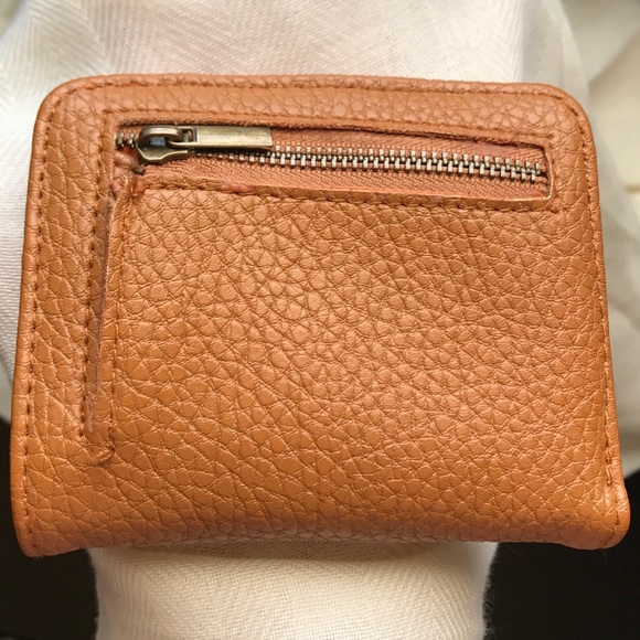 39e87861e7e Handbags - NWOT Tan orange Sheng Tong leather bifold wallet