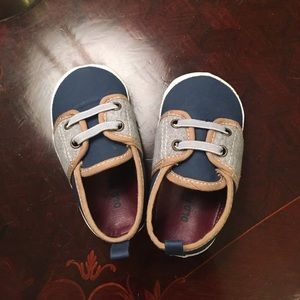 Other - Old Navy 12 to 18 month baby shoes