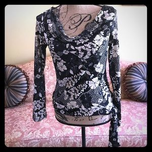 BLACK AND CREAM FLORAL PRINT L/S PULLOVER BLOUSE