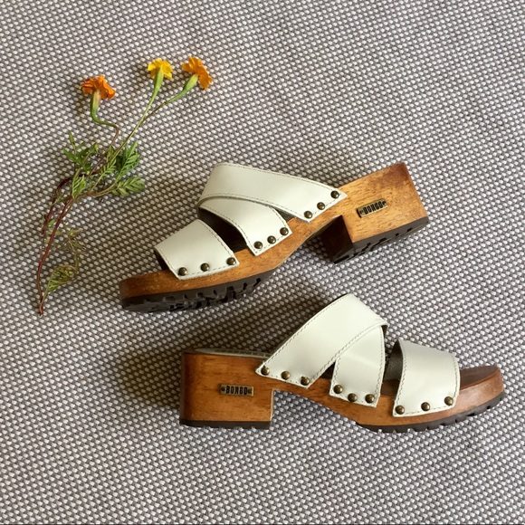 7eb4cbbdc4 Vintage Bongo white leather wood chunky sandal. M 597538c3a88e7d00e904d6d5