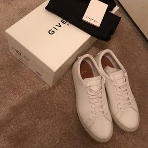 Givenchy Shoes - Givenchy Paris Sneakers size 39