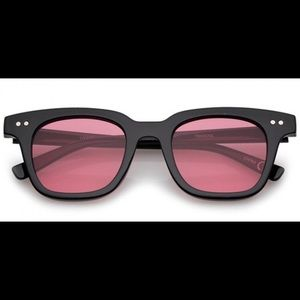 Accessories - Retro tinted sunglasses