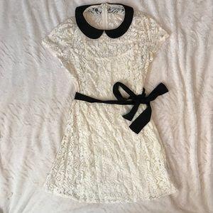 🔥SALE🔥NWOT Peter Pan Collar Lace Dress