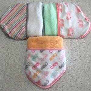 Circo Newborn Girls 3 pack hooded towels