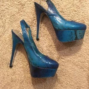 ⭐️MAKE OFFER⭐️ Bebe snakeskin heels
