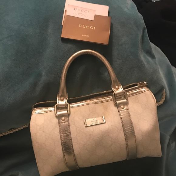 f5afc78ec64 Gucci Handbags - 1 HOUR SALE ✨ AUTHENTIC GUCCI HANDBAG