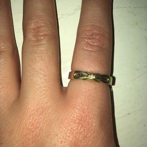 Cute dainty gold ring!