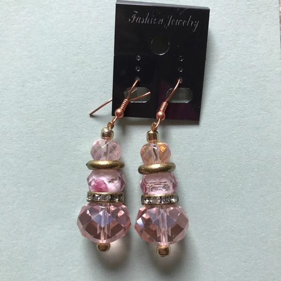PerfuMania Accessories - Fashion Jewelry, Very Pretty, Pink beads, Gold spa