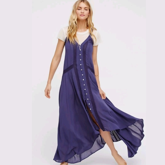 Free People Dresses & Skirts - Intimately Free People Kimmi Maxi Slip lace