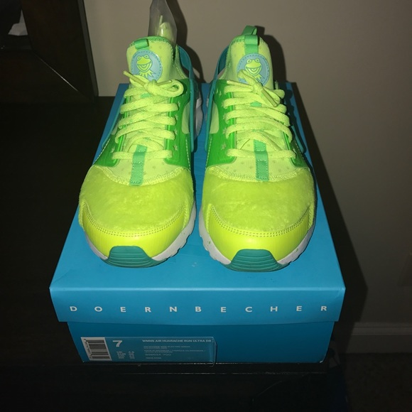 2df909e17827 Nike Air Huarche Run Ultra DB sz wmn 7. M 5976237a41b4e02e3f07ff4f