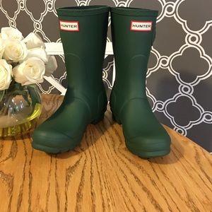 NWOT Hunter Matte Green Boots