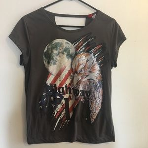 Divided T-Shirt With Open Back