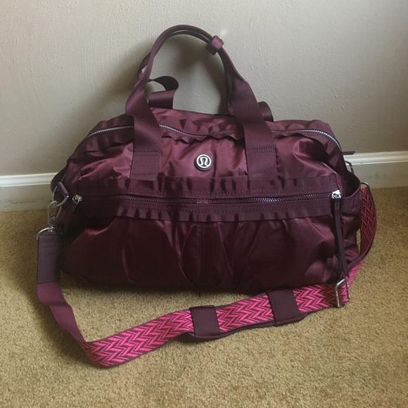 026fbe818a1 lululemon athletica Handbags - Lululemon Gym To Win Duffel Gym Bag Bordeaux