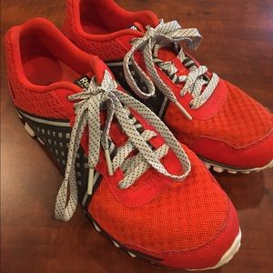 REEBOK REAL FLEX RED AND BLACK ATHLETIC SHOES SZ 7
