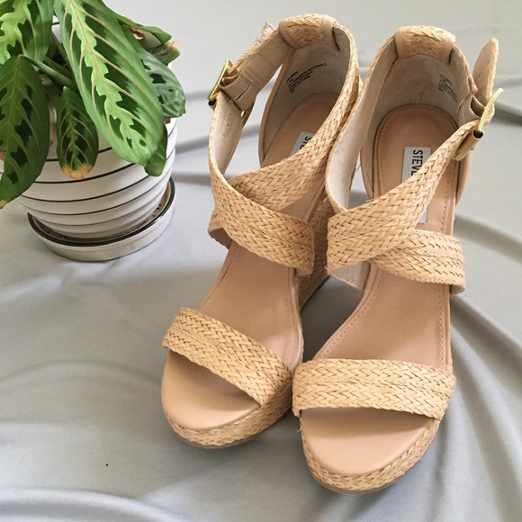 7896a5ba5d6d Steve Madden Shoes - Steve Madden Haywire Wedges in Natural