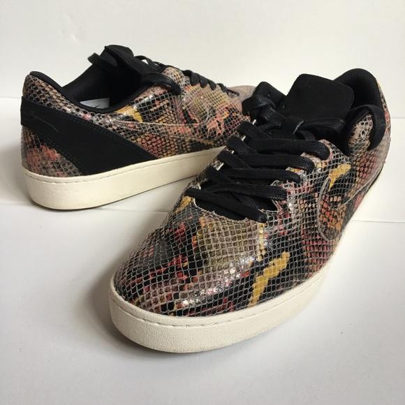 buy popular db939 1dcab Nike Kobe 8 NSW Lifestye Snakeskin men s size 11. M 597647bd6d64bc90e8002d84