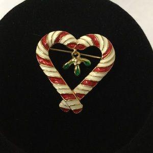 Cloisonné Mistletoe Heart Pin