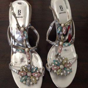 Pearl crystal metal chain heels