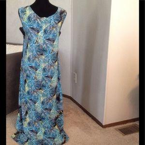 AVENUE Dresses - Blue & White 'fireworks' Maxi