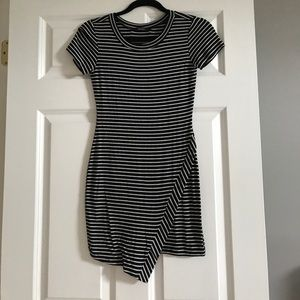 SIZE SMALL BLACK AND WHITE MINI STRIPPED DRESS