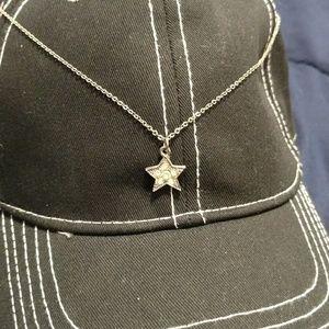 Jewelry - Dainty silver star necklace
