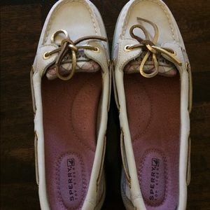 Brand new  size 7 1/2 women's sperry shoes