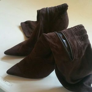 Gorgeous suede Nine West Boots