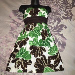 Dresses & Skirts - Gorgeous Mini Dress